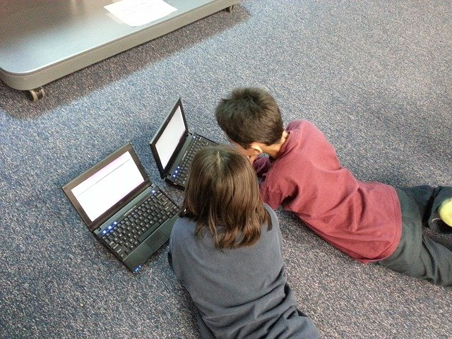 help kids safely use online technology